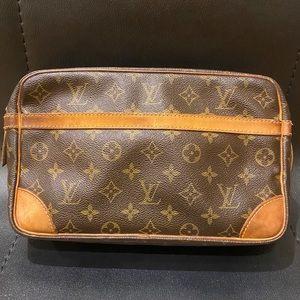 Louis Vuitton monograms compeigne 28
